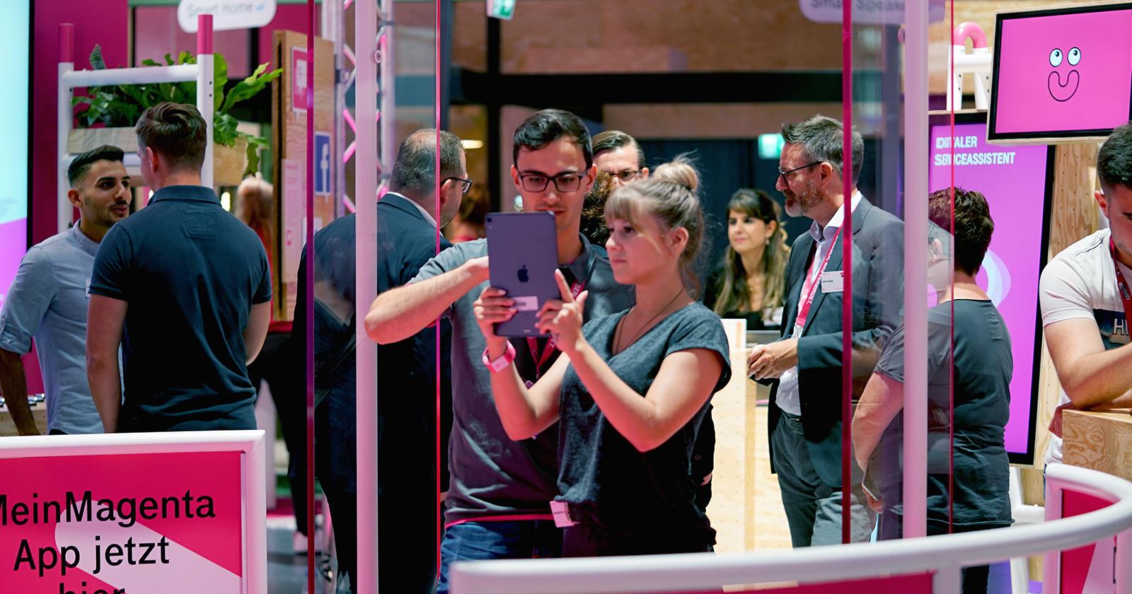 Drei vernetzte Marken-Touchpoints